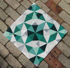 Elven Garden Quilts: Tesseract {Emerald Quilt Challenge Finish}