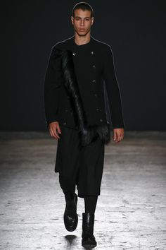 See the complete Ports 1961 Fall 2016 Menswear collection.