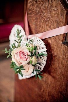 perfect pew trims for a shabby chic wedding