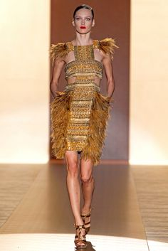 See the complete Gucci Spring 2011 Ready-to-Wear collection.