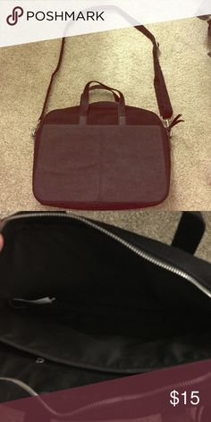 Messenger bag Black and gray messenger bag. Two large front pockets and one large pocket in the back. Strap detatchable. Used once. Like new condition. Banana Republic Bags Laptop Bags