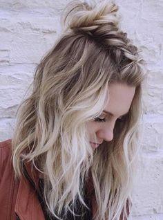 Heavenly blonde hair balayage - Haar und beauty - Your HairStyle Balayage Hair Blonde, Ombre Hair, Pelo Emo, Hair Colorful, Hair Type, Hair Trends, Braided Hairstyles, Medium Length Hairstyles, Cute Hairstyles For Short Hair