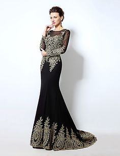 Black & Golden are always such a classy match, specially in a floor-length dress with a small court train! Enjoy Early Bird Christmas sales discount until Dec 15th!