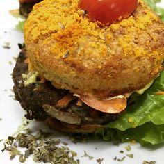 Mm zoom de la opción cena  sándwich de hamburguesa de carne ! Con pan de almendras y coco #lowcarb #almoço #janta #healthy #hot #hamburguesa #glutenfree #singluten #sincaseina #sinlacteos #love #amazing #cute #lanutry by lanutryhealthyfood