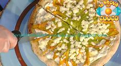 Le ricette della Prova del Cuoco: Pizza con fiori di zucca ricotta e provola affumic...