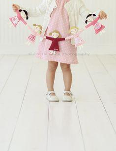 guirlanda de bonecas - para o quarto das bonequinhas
