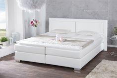 """Das wundervolle Boxspringbett """"QUEENS"""" ist der ideale Partner für erholsame Nächte! Schlafen Sie wie in einem Bett eines 5 Sterne Luxus Hotels. Das durchdachte Schlafkonzept bekannt aus amerikanischen Hotelbetten sorgt für hohen Liegekomfort und entspannten Schlaf. Die Grundlage des Komforts bildet eine Box gefüllt mit einer hochwertigen Bonell - Federkernpolsterung. Darauf liegt für ein optimales Schlafvergnügen eine 7-Zonen Bonell-Federkern Matratze."""