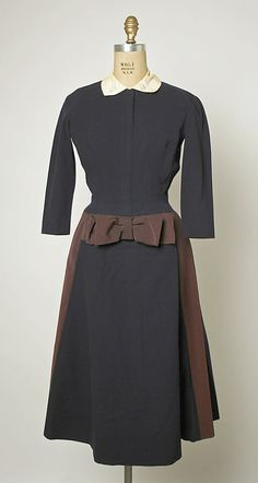 """""""Varennes"""" Designer:Jacques Fath (French, Design House:House of Jacques Fath (French, founded Date:fall/winter Culture:French Medium:wool, rayon Credit Line:Gift of Mrs. Byron C. Foy, 1955 Accession b Vintage Fashion 1950s, Vintage 1950s Dresses, Vintage Couture, Mode Vintage, Vintage Wear, Retro Fashion, Vintage Clothing, Jacques Fath, 1950s Outfits"""