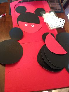 Starting 1 st part of invitations. Mickey Mouse