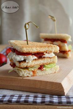 #Sandwich con #pomodori arrosto e #ricotta #ricetta #foodporn #gialloblogs