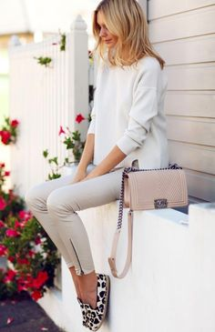 chic style beige skinny pants and bag