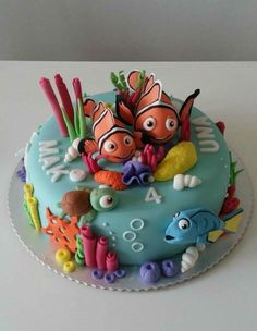 finding nemo - cake by TorteTortice Fancy Cakes, Cute Cakes, Fondant Cakes, Cupcake Cakes, Finding Nemo Cake, Super Torte, Sea Cakes, Gateaux Cake, Mermaid Cakes