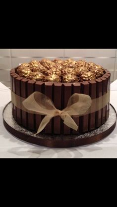 Ferrero Rocher and Kit-Kat Cake Inspiration: Chocolat Ferrero Rocher, Torta Ferrero Rocher, Candy Cakes, Cupcake Cakes, Cake Recipes, Dessert Recipes, Specialty Cakes, Occasion Cakes, Savoury Cake