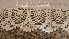 Another elegant pineapple motif crochet trim from Norminha, the Brazillian barred-work artist