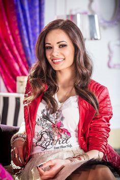 Natalia-Szroeder-ambasadorka-Ever-After-High_royals.jpg (613×919)