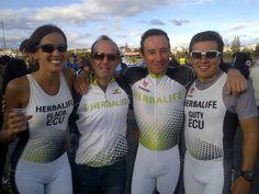 Team Herbalife Ecuador  con Carlos Zurita Presidente Herbalife