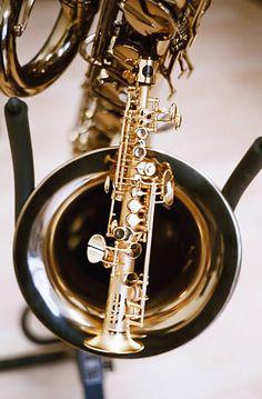 A soprillo aka sopranissimo sax ... So adorable!!!