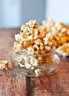 Vanilla Cake Batter & White Chocolate Chip Caramel Corn - Tastes like caramel corn that took a bath in a bowl of vanilla cake batter before being sprinkled with white chocolate chips! Addictive, easy recipe at averiecooks.com
