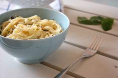 Pasta aromatica con ricotta, erbe aromatiche e capperi