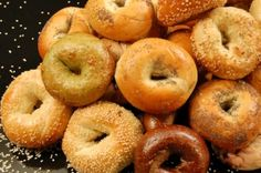 If you've ever tried chewing a rock, you'll know what it's like to eat stale bagels. Luckily, there's a quick and easy way to bring stale ba. Foods Diabetics Should Avoid, How To Make Bagels, Bagel Bakery, Top 10 Restaurants, Eating At Night, Ny Style, Gluten Intolerance, Dessert, Food Lists