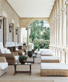The Photos of Hotel Hospes Maricel & Spa de Mallorca will surprise you. Its location by the sea and the attention of this Boutique Hotel is at your service. Outdoor Areas, Outdoor Rooms, Outdoor Living, Outdoor Furniture Sets, Outdoor Decor, Rattan Furniture, Outdoor Seating, Porches, Casa Magnolia