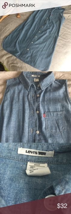 Levis chambray sleeveless dress size small Box pleat at placket in back rounded side slits button up never worn size small Levi's Dresses Midi