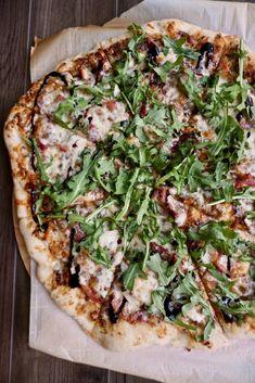 Fig Jam, Prosciutto, and Arugula Pizza Fig Flatbread, Flatbread Recipes, Arugula Pizza, Prosciutto Pizza, Food Network Recipes, Real Food Recipes, Healthy Recipes, Lunch Recipes, Healthy Eats