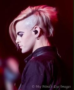 @TommyJoeRatliff This is the person I LOVE  I want him to be happy.. That's all I want