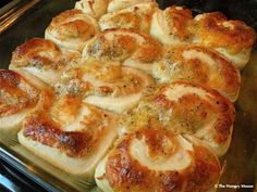 Cheese Pinwheel Rolls - www.thehungrymouse.com, might like  to try these...
