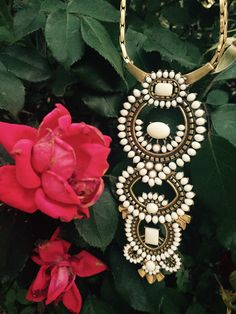 Inspired by vintage resort style, this necklace features an intricate pattern of hand set cream cabochon stones. Can be worn long or short. Two bottom sections of pendant are removable and interchangeable to change your look from effortless to dramatic. #StellaDot #Havana #Pendant #Style #Fashion #Versatile #Roses #Spring #Summer