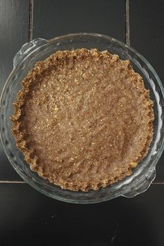 The perfect grain-free pie or tart crust (Pecan Crusted Pies) from Summer Harms 1 cups pecans 1 egg 1 T. coconut oil 1 T. coconut flour 2 T. Gluten Free Sweets, Gluten Free Recipes, Low Carb Desserts, Just Desserts, Coconut Oil Pie Crust, Pecan Pie Crust Recipe, Butter Crust, Dough Recipe, Pie Dessert