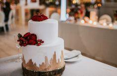 Wedding cake, golden, red flowers, red peonies, wooden base, pavlov