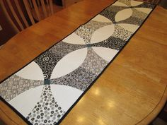 Looking for quilting project inspiration? Check out Ashley& table runner by member CanadianQuilter. Table Topper Patterns, Quilted Table Toppers, Table Runner And Placemats, Quilted Table Runners, Quilt Boarders, Modern Table Runners, Skinny Quilts, Bed Runner, Sewing Table