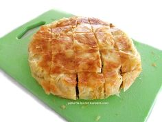 yetur'la lezzet kareleri.com: ''işte börek bu-tarifimin su böreği versiyonu Flour Recipes, Spanakopita, Creative Food, Pineapple, Food And Drink, Pasta, Fruit, Cooking, Ethnic Recipes