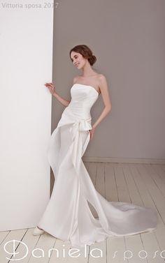 9689e07a22e62a Abito da sposa by Elisabetta Polignano - http   www.danielasposa.it