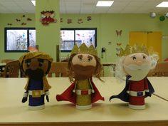 reyes magos de goma eva hechos con rollos de papel higienico