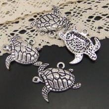 03919 Antiqued Silver Tone Alloy Lovely Acrawl Sea Turtle Charms