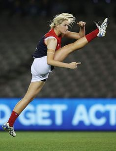 The first female AFL teams were announced with eight teams The National Women's League kicks off in Australia in February next year for an eight week season. This is Tayla Harris of the Demons with the most elegant kick ever.