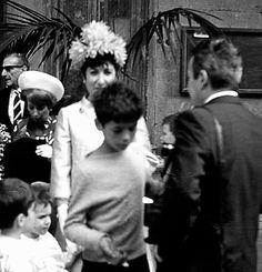 Italian Vintage Photographs ~ #Italy #Italian #vintage #photographs ~ Napoli - Scugnizzi 1977 (Scugnizzi invade a wedding party at Santa Chiara to beg.)