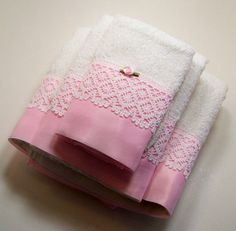 Hand Embellished Hostess Guest Towel Set Bath Hand Wash Cloth Pink White Lace A lovely set of hand embellished guest towels. Dish Towels, Hand Towels, Tea Towels, Sewing Crafts, Sewing Projects, Embroidered Towels, Decorative Towels, Shabby Chic Pink, White Towels