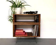 Gestapelt Sideboard Konsole Speichereinheit, ideal für Vinyl-Schallplatten, Bücher und Cocktails, 80cm breit Massivholz auf Mid Century Haarnadel Beine
