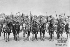 """Men from the South Australian (Mounted Rifles) Contingent, who fought in the Boer War. Third from left is Trooper Harry """"The Breaker"""" Morant. South Africa, c. AWM Australia and the Boer War, Military Photos, Military History, The Breakers, British Colonial, Beautiful Songs, African History, British Army, First World, South Africa"""