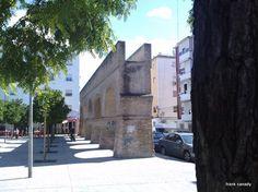"""Part of the aqueduct the Moors built in Seville, call """"Los Caños de Carmona"""" - Parte del acueducto construido por los Moros en Sevilla llamados """"Los Caños de Carmona"""""""