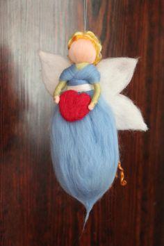 Engel mit Herz, Schutzengel, Geburt, Taufe von Jalda auf www.DaWanda.com/Shop/Jalda-Filz #DIY #Engel #Geburt #Taufe #Baby #Schutzengel