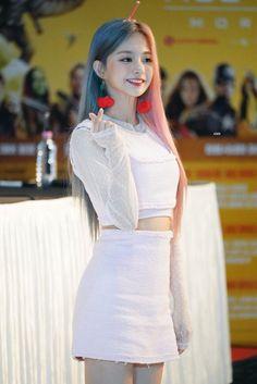 Cute Korean Girl, South Korean Girls, Asian Girl, Kpop Girl Groups, Korean Girl Groups, Kpop Girls, K Pop, Pop Hair, Stupid Girl