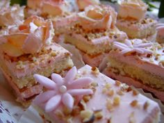 Mansikkaisia leivoksia - VillaCaramilla - Vuodatus.net