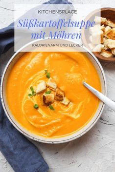 Sopa de batata doce com cenoura Potato Recipes, Soup Recipes, Vegan Recipes, Snack Recipes, Cooking Recipes, Carrot Recipes, Clean Eating Recipes, Clean Eating Snacks, Seafood Recipes