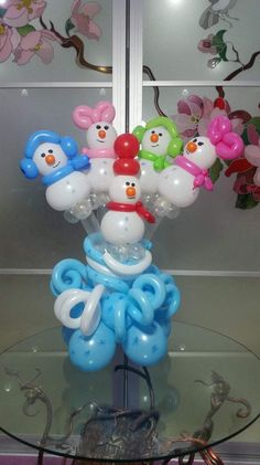 Aren't they sweet, these tiny balloon snowmen and snowbunnies?