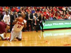 Dayton's Pierre Makes Basket From His Knees - YouTube