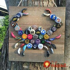 Not sure if it's my favorite design, but it's an interesting idea for our bottle cap & wine cork collection.Wine Corks - Bottle cap crab, this is a really cute idea. I think Id paint the bottle caps though - Crafting Timeout Beer Bottle Caps, Bottle Cap Art, Beer Caps, Bottle Top, Diy Bottle, Beer Cap Art, Beer Bottles, Vodka Bottle, Seashell Crafts